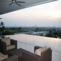 Villa With Amazing City Views Over The Pool